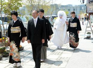 【商店街で「結婚式」いかが】(岩手県山田町)